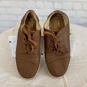 Toms Leather Tennis Shoes